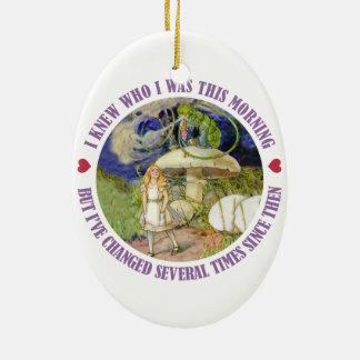 Alicia en el país de las maravillas - sabía quién adorno navideño ovalado de cerámica