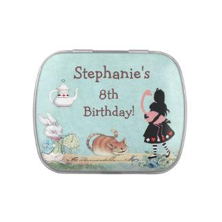 Alicia en favor de la fiesta de cumpleaños del fla latas de caramelos