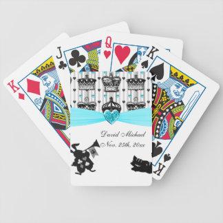 Alicia en fiesta de bienvenida al bebé real de las baraja cartas de poker