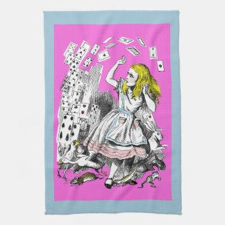 Alicia en la cubierta del país de las maravillas toalla de cocina