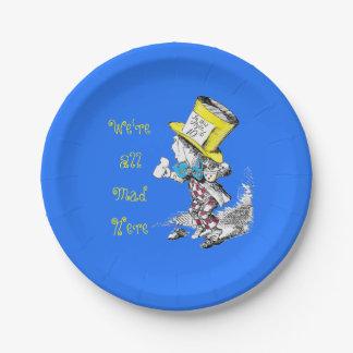 Alicia en la placa de papel del sombrerero enojado plato de papel de 7 pulgadas