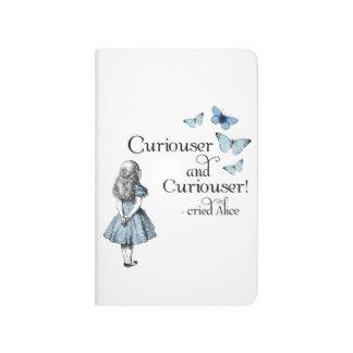 Alicia en un diario más curioso de la mariposa del cuaderno grapado