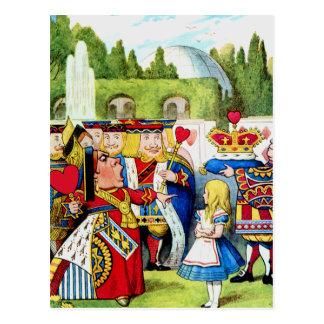 Alicia encuentra a la reina de corazones en el postal