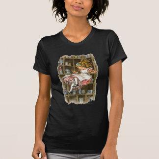 Alicia flota abajo de la madriguera de conejo camiseta