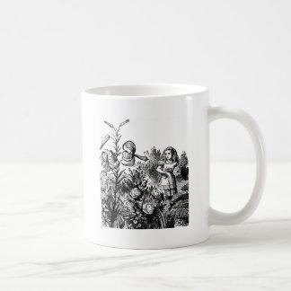 Alicia habla con las flores del jardín tazas de café