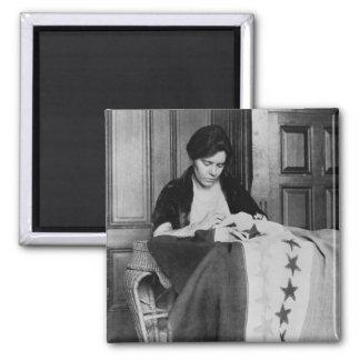 Alicia Paul, bandera de costura del sufragio, los  Imán Cuadrado