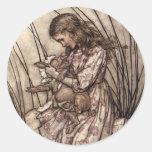 Alicia y el bebé del cerdo pegatina redonda