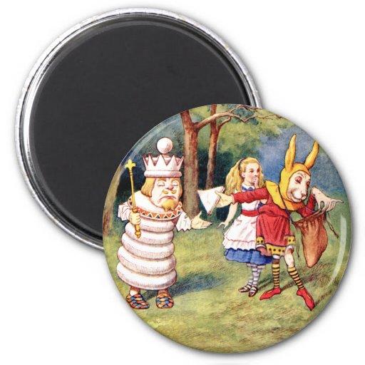 Alicia y el rey blanco imán redondo 5 cm