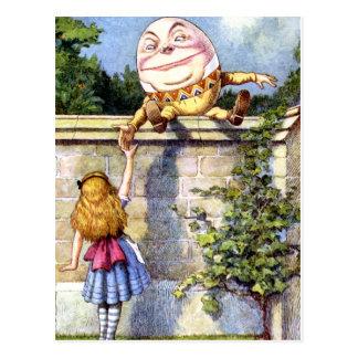 Alicia y Humpty Dumpty en el país de las maravilla Postales