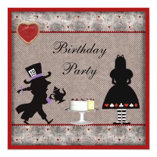 Alicia y la fiesta de cumpleaños enojada del invitación 13,3 cm x 13,3cm