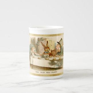 Alicia y la fiesta del té enojada - taza de la taza de porcelana
