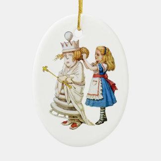 Alicia y la reina blanca en el país de las adorno navideño ovalado de cerámica