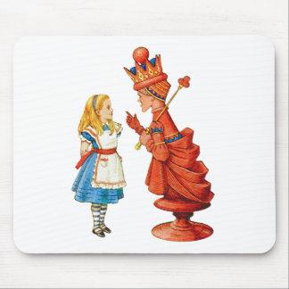 Alicia y la reina roja alfombrilla de ratón