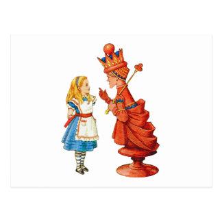 Alicia y la reina roja en el país de las tarjeta postal