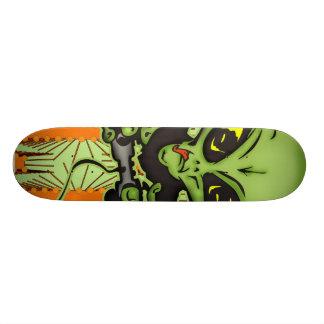 Alien Gamer Skateboard Deck