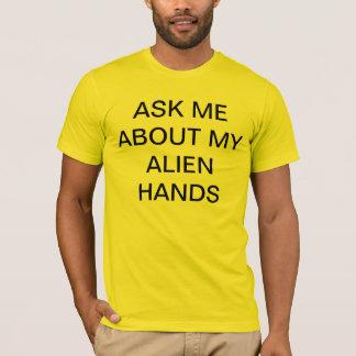 alien hands T-Shirt