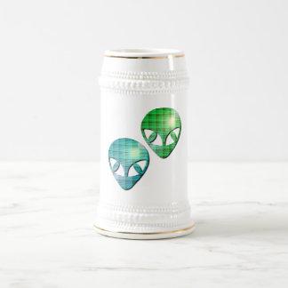 Alien Pair Beer Stein 18 Oz Beer Stein