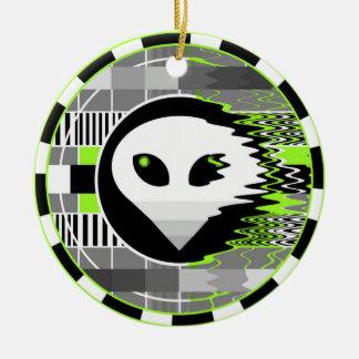 Alien TV Round ceramic ornament