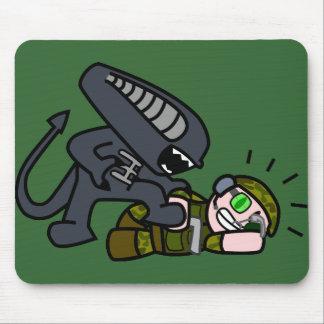 Alien vs Soldier 2 Mouse Pad
