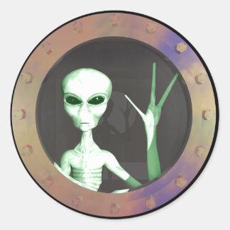 Alien window classic round sticker