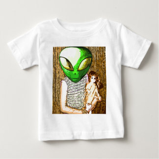 alien with doll baby T-Shirt