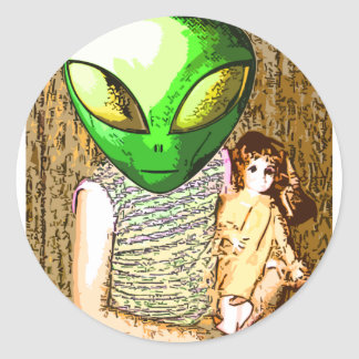 alien with doll classic round sticker