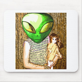 alien with doll mouse pad