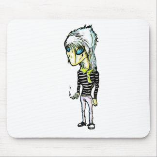 Alieno; 3ichael 7ambert (@OdonisOrphane) Mousepads