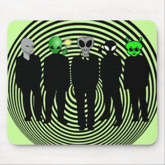 aliens in black mousepad