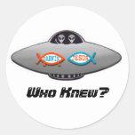 aliens Who Knew? Round Sticker