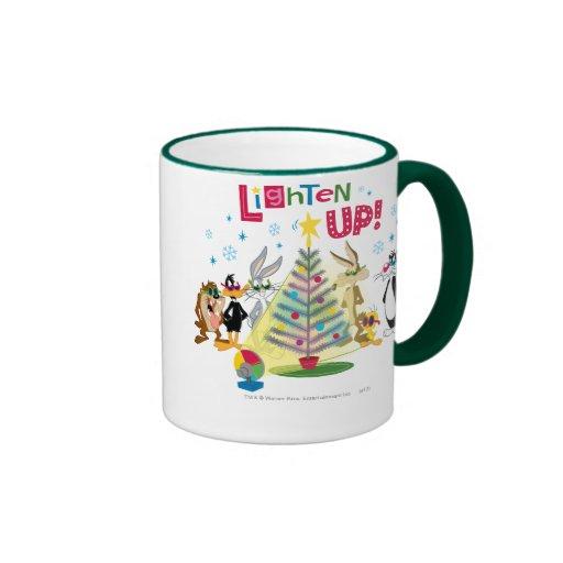 Aligere para arriba tazas de café