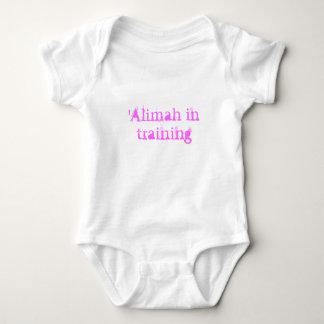 'Alimah en el entrenamiento Remera