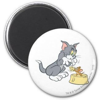 Alimentación de Tom y Jerry el gato Imán Redondo 5 Cm