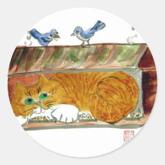 Alimentador del pájaro y gato de tigre del naranja pegatina redonda
