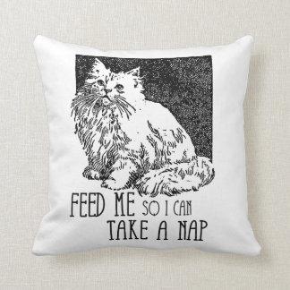 Aliménteme así que puedo tomar una siesta almohadas