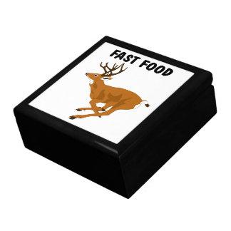 Alimentos de preparación rápida de los ciervos div joyero cuadrado grande