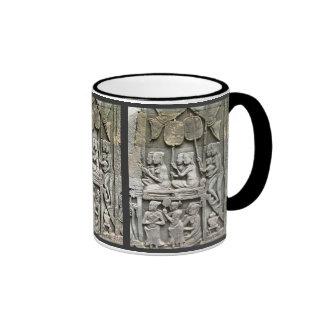 Alivio de la pared del templo de Bayon - honrar al Taza De Café