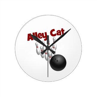 Alley Cat Round Clock