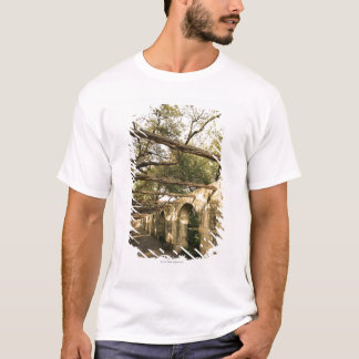 Alley in San Antonio, Texas T-Shirt