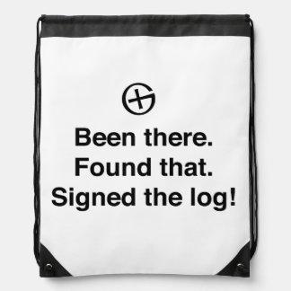 Allí encontrado que firmó el registro mochila
