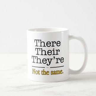 Allí, su y son taza