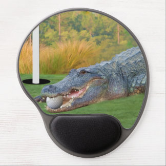 Alligator, Hazardous Lie in Golf Gel Mouse Pad