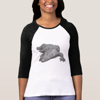 Alligator in black and white T-Shirt