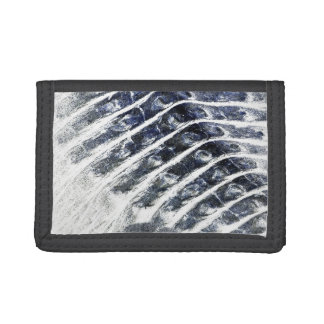 alligator scales neat abstract invert pattern tri-fold wallets