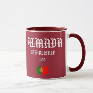 Almada, taza del escudo de Portugal