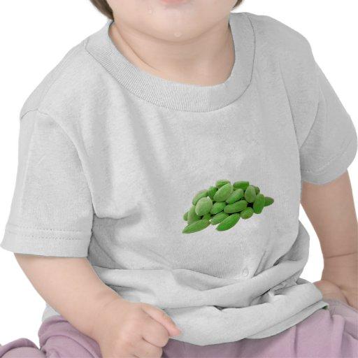 Almendra verde verde camisetas