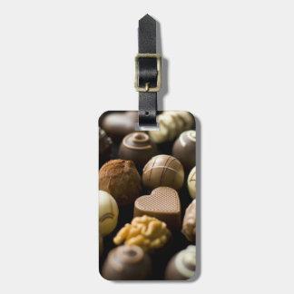 Almendras garapiñadas deliciosas del chocolate etiquetas para maletas
