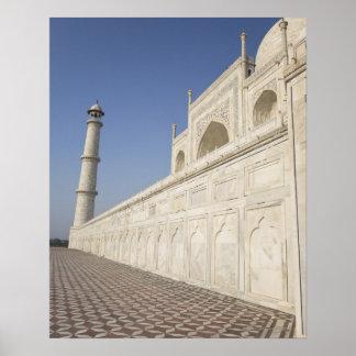 Alminares coronados en el Taj Mahal, visión desde  Póster