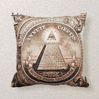 Almofada Delta Throw Pillow