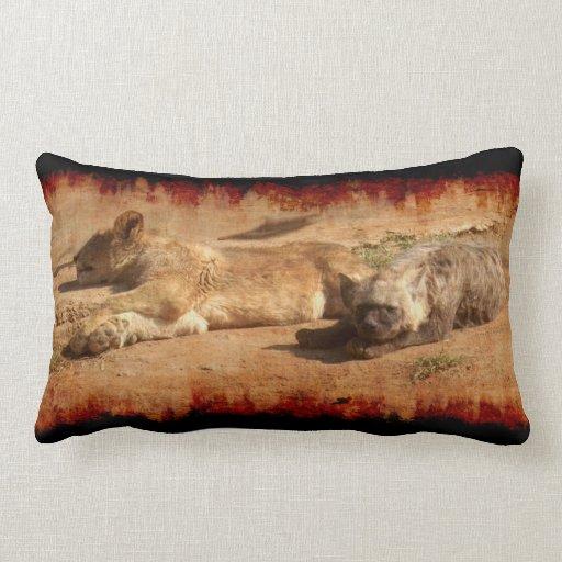 Almohada africana de la fauna del león y del Hyena